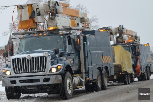 Des centaines de clients d'Hydro-Québec en Estrie étaient privés de courant,... (Archives La Voix de l'Est)