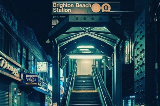 La station de métro Brighton Beach, dans Brooklyn,... (PHOTO TIRÉE D'INSTAGRAM (@ZEALOUSFILM))