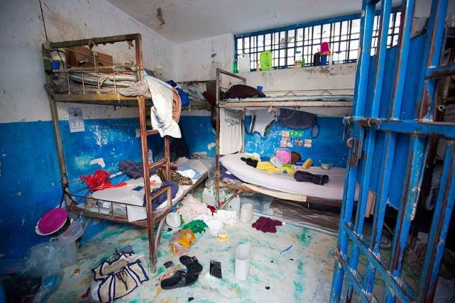 Une cellule de la prison de l'Arcahaie, près... (Photo Dieu Nalio Chery, AP)