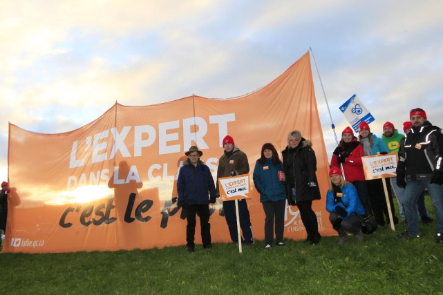 Les membres du Syndicat de l'enseignement de l'Outaouais... (Simon Séguin-Bertrand, LeDroit)