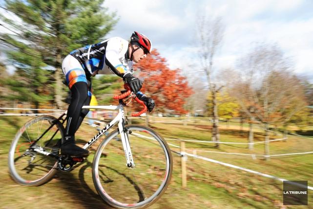 Pour le cycliste Pierre-Olivier Boily, l'objectif est ambitieux, mais... (Archives La Tribune, Julien Chamberland)