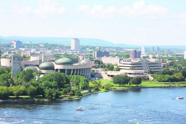 En Outaouais, les services publics occupent 43,4% des emplois, alors que la...