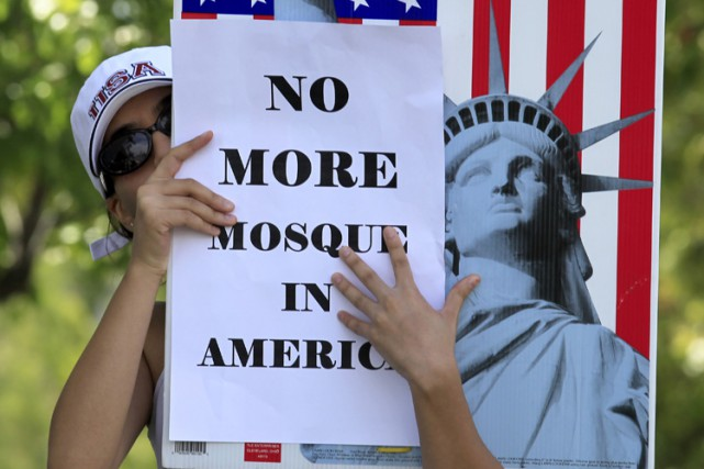 Une manifestation anti-islam à Temlecula, en Californie, en... (ARCHIVES REUTERS)