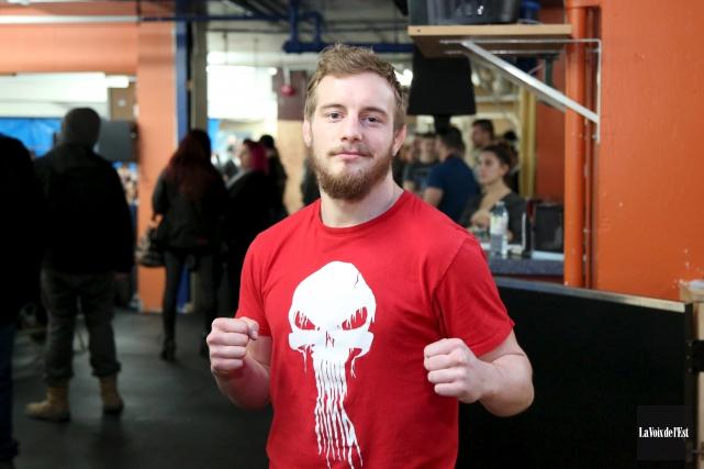 Dimitri Waardenburg participera au gala d'arts martiaux mixtes... (Julie Catudal, archives La Voix de l'Est)