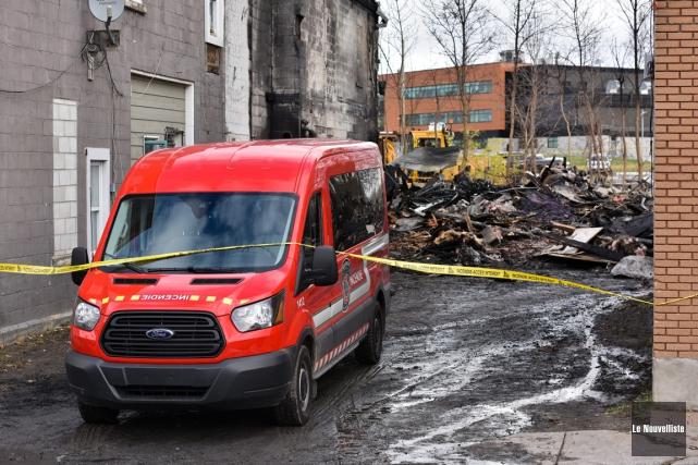 Il ne reste que des ruines du garage... (François Gervais, Le Nouvelliste)