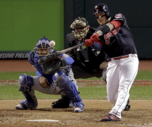 Roberto Perez a produit quatre points avec deux... (The Associated Press, Charlie Riedel)