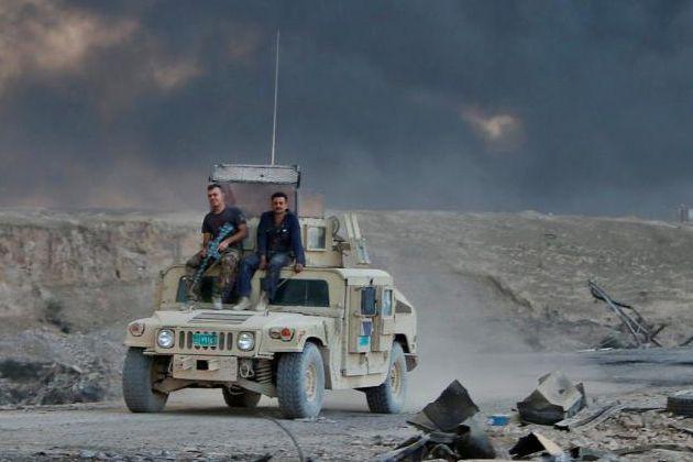 «Une semaine après le début de la bataille,... (PHOTO ALAA AL-MARJANI, REUTERS)