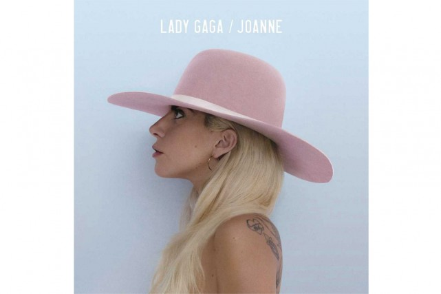 Joanne, de Lady Gaga... (image fournie par Interscope Records)