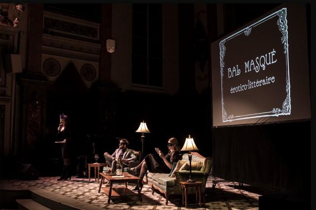 Le Bal masqué érotico-littéraire présenté dans le cadre... (Photo Elias Djemil, tirée du site du Bureau des affaires poétiques)