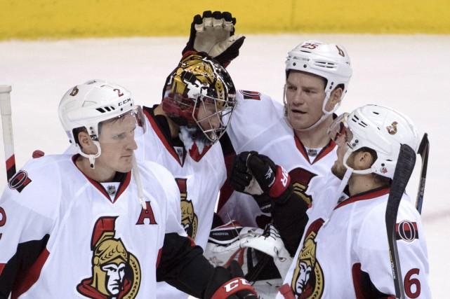 Le jeu de défenseurs comme Chris Wideman (6)... (Jonathan Hayward, La Presse canadienne)