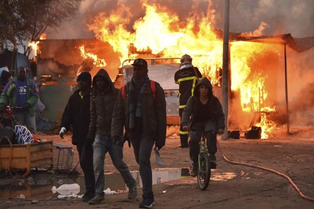 Au total, 5596 réfugiés ont été «mis à... (AFP, Philippe Huguen)