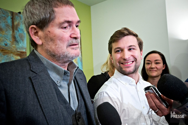 Gabriel Nadeau-Dubois, tout sourire, acommenté la décision de... (Patrick Sanfaçon, La Presse)