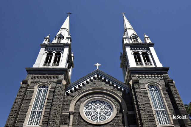 L'église Saint-Charles de Limoilou est fermée depuis quatre... (Le Soleil, Patrice Laroche)