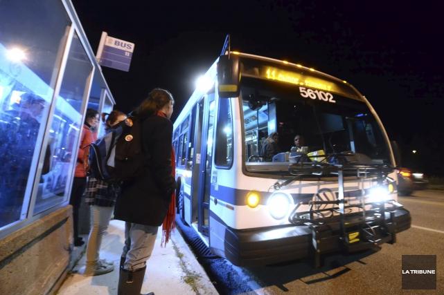 La Société de transport de Sherbrooke (STS) reçoit... (Archives La Tribune, Maxime Picard)