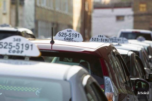 L'industrie du taxi s'estime laissée pour compte par Québec qui l'ignore et lui... (Photothèque Le Soleil, Caroline Grégoire)