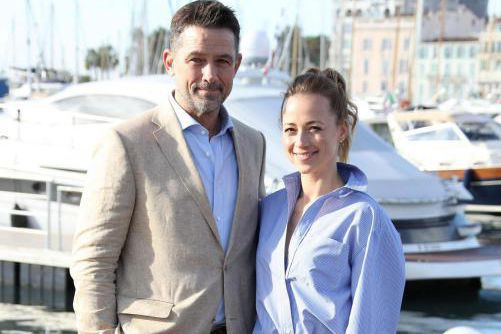 Billy Campbell et Karine Vanasse ont fait la promotion de... (PHOTO VALERY HACHE, AGENCE FRANCE-PRESSE)
