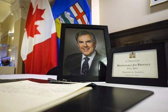 Jim Prentice a été ministre fédéral dans le... (PHOTO Jeff McIntosh, PC)