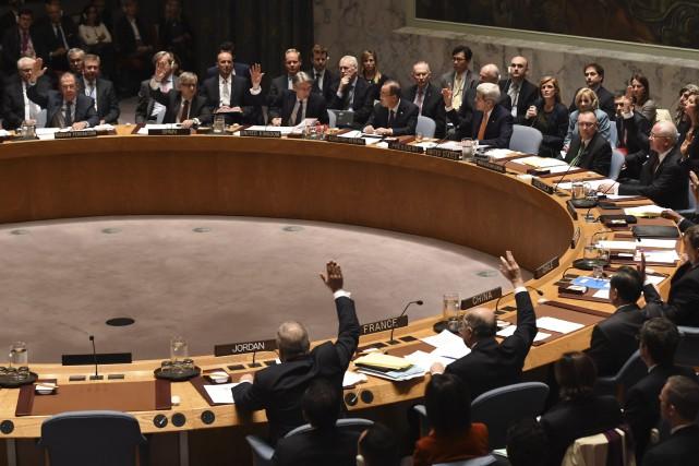 Par ses deux récents votes aux Nations unies, le Canada a appuyé un traité... (Photo Archives AFP)