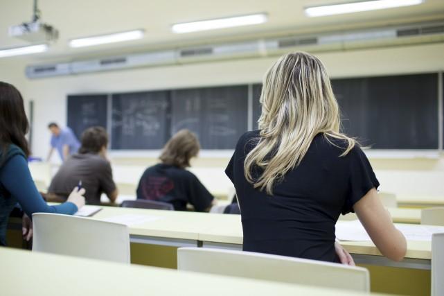 En Outaouais, les détenteurs d'un grade universitaire occupent... (123RF)