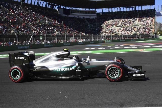 Nico Rosberg a dû puiser dans ses ressources... (AFP, Pedro Pardo)