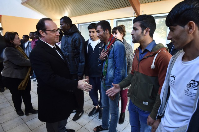 Fraçnois Hollande a jugé que le camp de Calais... (Photo AFP)