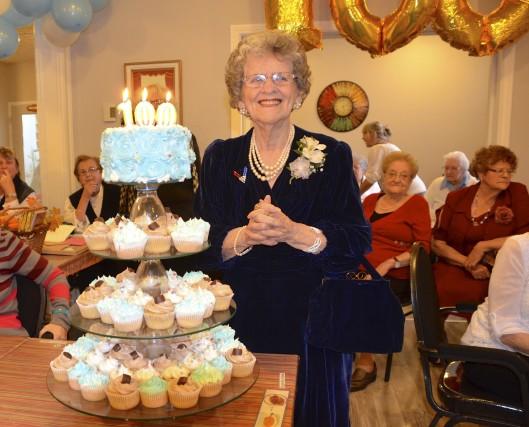 Pour son centième anniversaire, Irène Coulombe avait revêtu... (Collaboration spéciale Johanne Fournier)