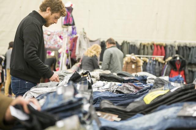 Les organisateurs de la Grande Braderie de mode... (Spectre Média, Marie-Lou Béland)
