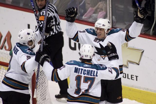 L'attaquant des Sharks de San Jose, Jeremy Roenick... (Photothèque Le Soleil)