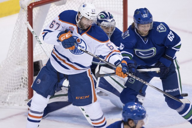 Benoît Pouliot a dû redresser son jeu après... (Darryl Dyck, La Presse canadienne)