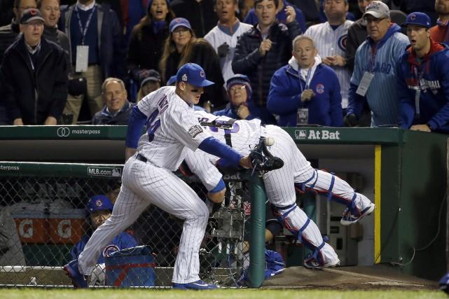 Le joueur de premier but des Cubs de... (AP, Nam Y. Huh)