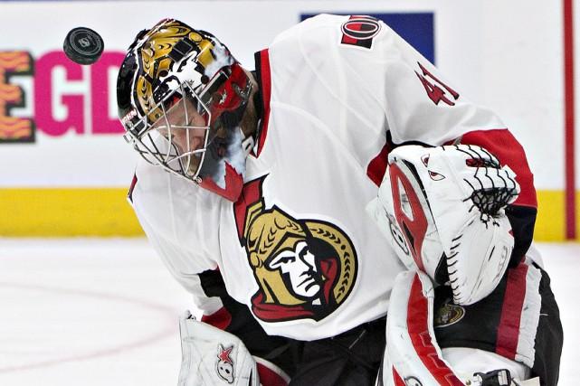 Craig Anderson n'a rien donné aux Oilers, dimanche... (Jason Franson, La Presse canadienne)