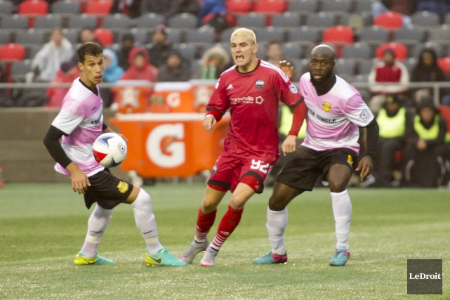 Le Fury s'était aussi incliné contre les Strikers... (Martin Roy, LeDroit)