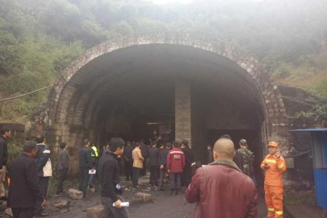 Quinze mineurs ont trouvé la mort et 18 autres sont portés disparus après un... (PHOTO TIRÉE DE TWITTER)