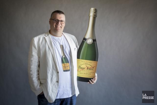 Le comédien Louis Champagne vient roder son premier... (Marco Campanozzi, La Presse)