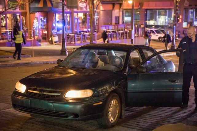 La jeune femmea été frappée par une automobile... (Collaboration spéciale Steve Jolicoeur)