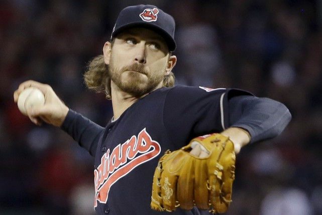 Josh Tomlin sera le lanceur partant des Indians mardi... (Associated Press)