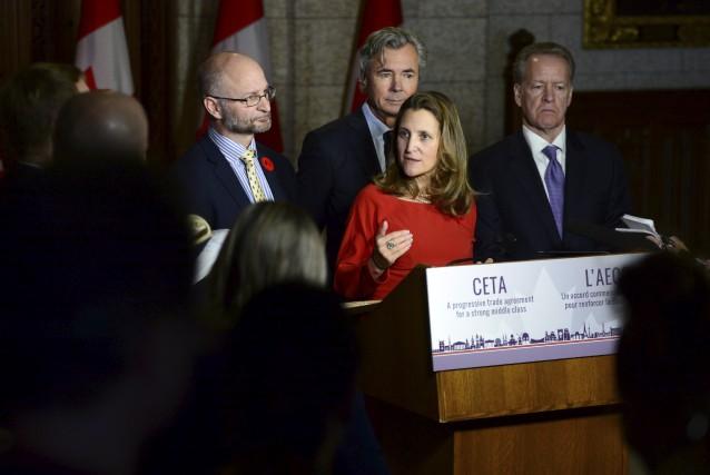 La ministre du Commerce international, Chrystia Freeland, n'était... (La Presse canadienne)