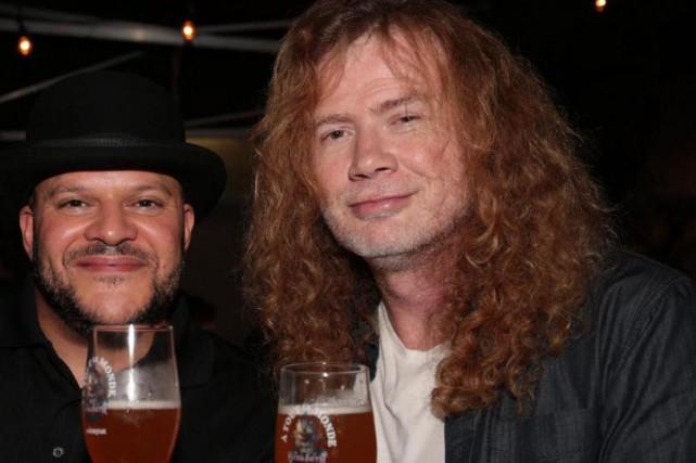 Jerry Vietz, maître brasseur chez Unibroue, et Dave... (PHOTO FOURNIE PAR UNIBROUE)