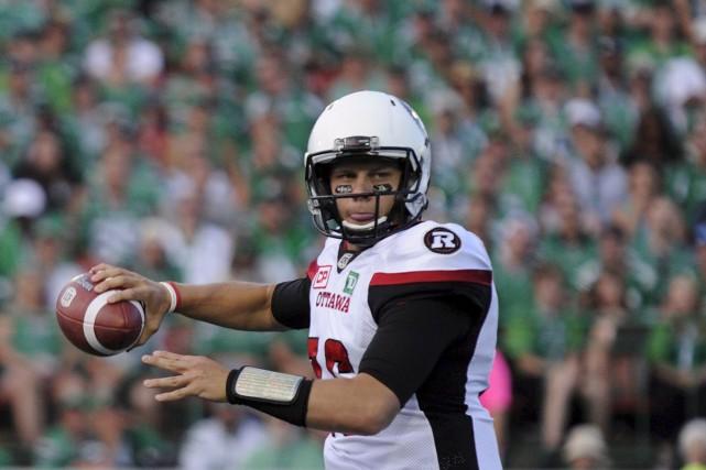 Brock Jensen avait complété 20 de 29 passes... (Mark Taylor, Archives La Presse canadienne)