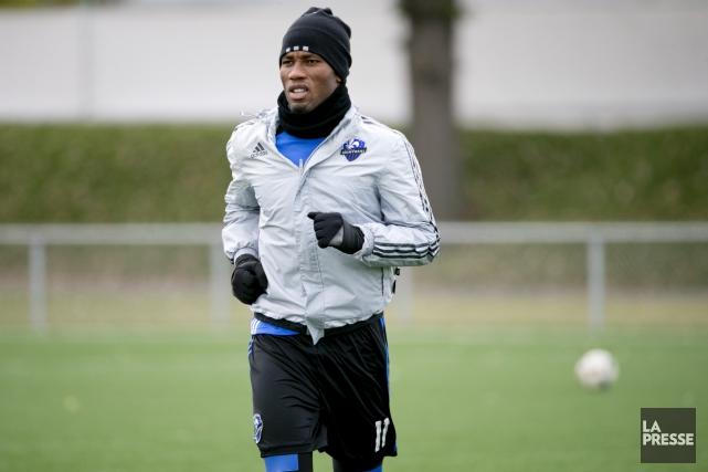 Didier Drogba a bravé la grisaille montréalaise pour... (La Presse, David Boily)