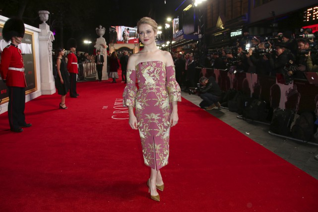Claire Foy interprètela reine Élisabeth II dans la... (AP, Joel Ryan)