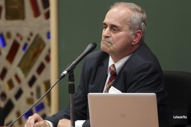 Le maire de Cowansville Arthur Fauteux a affirmé... (Archives La Voix de l'Est)