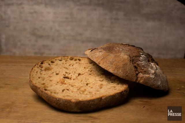 Le pain à la farine Red Fife de... (PHOTO OLIVIER PONTBRIAND, LA PRESSE)