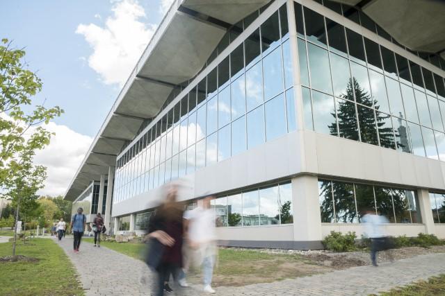 L'Université de Sherbrooke se dit prête à collaborer... (Spectre Média, Marie-Lou Béland)