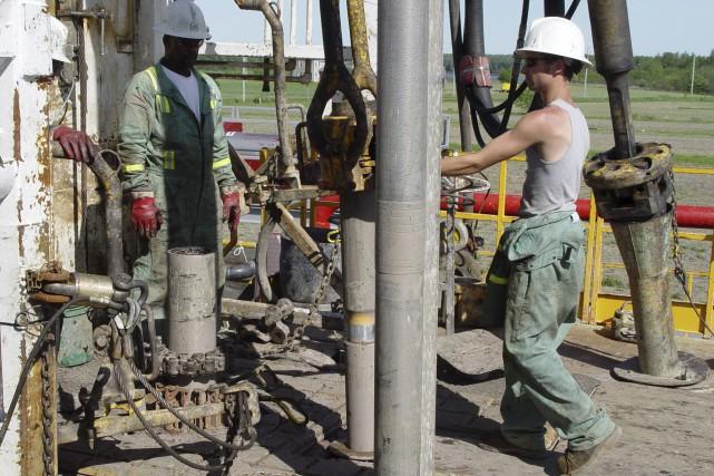 Le ministre de l'Énergie et des Ressources naturelles, Pierre Arcand, vient de... (Archives, La Presse canadienne)