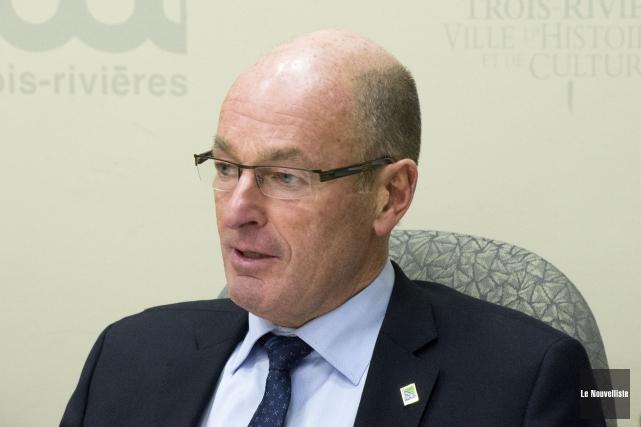 Est-ce que le maire sortant Yves Lévesque devra... (Stéphane Lessard, Le Nouvelliste)