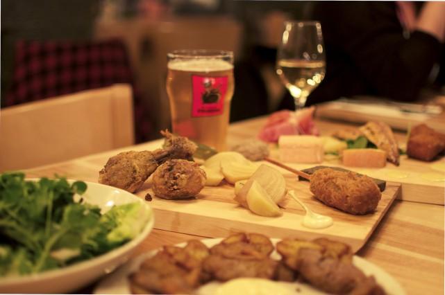 Une section Garde-Manger permet de choisir pilons de... (Fournie par Laurentien Buvette Gourmande)