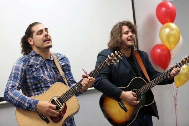 Erik et Sonny Caouette, qui forment le duo... (Julie Catudal)