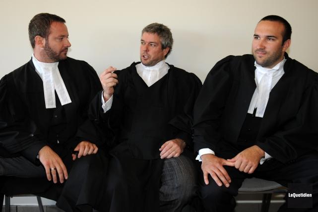 Les trois criminalistes Dominic Bouchard, Charles Cantin et... (Photo archives Le Quotidien, Rocket Lavoie)