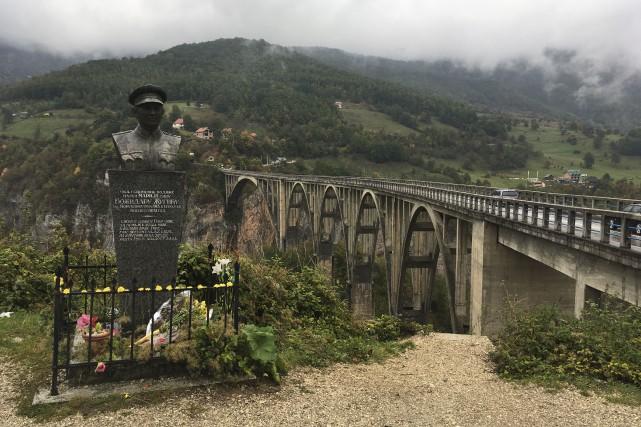 Pour voir le pont Tara, près de Zabljak... (La Tribune, Jonathan Custeau)